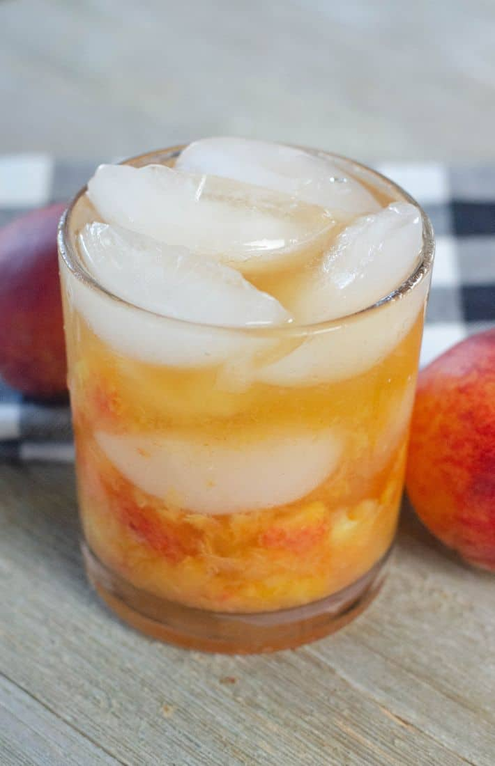 Fizzy Peach Bourbon Drink